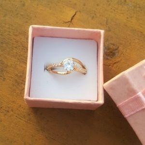 Jewelry - Unique White Sapphire Ring